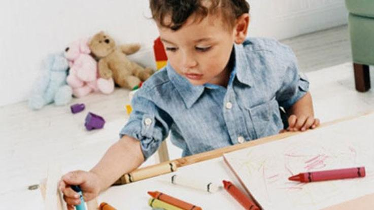 7 Great ways to keep your toddler busy