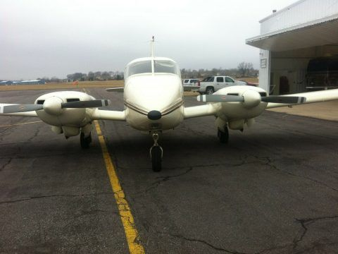 1974 Piper Aztec aircraft [with long Range Tanks ] for sale