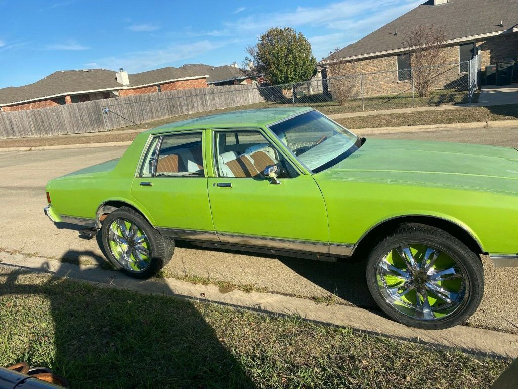 1982 Chevy Caprice Classic with 24″ rims
