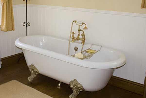 celtic bathroom tub