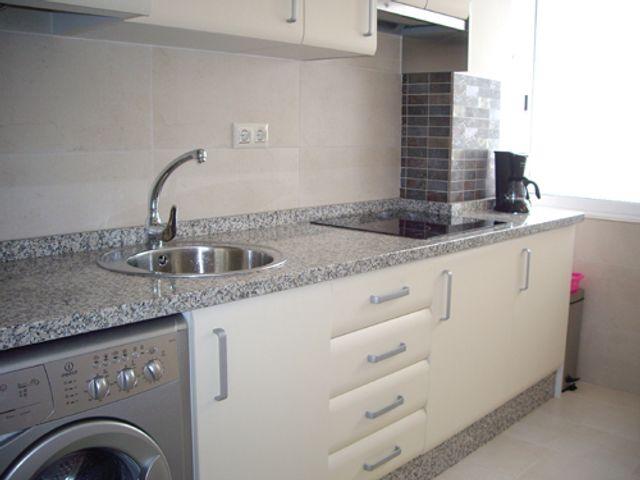 Ap2002 El Campello verhuur keuken