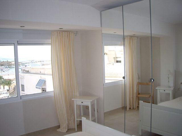 Ap2002 El campello verhuur slaapkamer 1