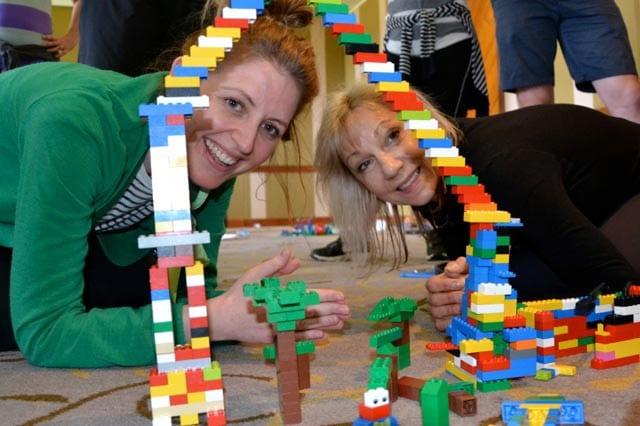 Team building activities _ building set