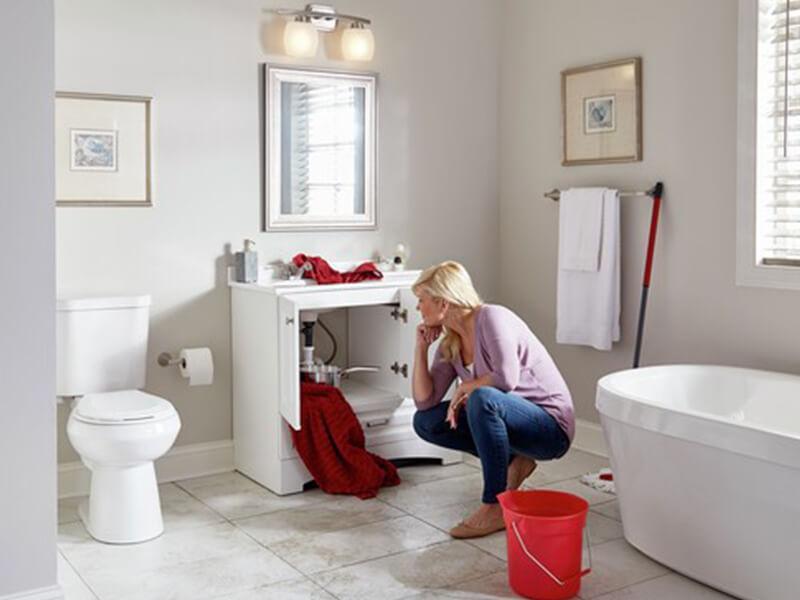 Kiểm tra nhà tắm và phòng vệ sinh đầu tiên