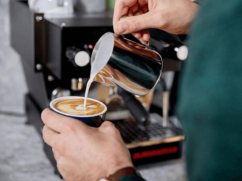 Mua máy pha cafe để giải trí là ý tưởng tuyệt vời
