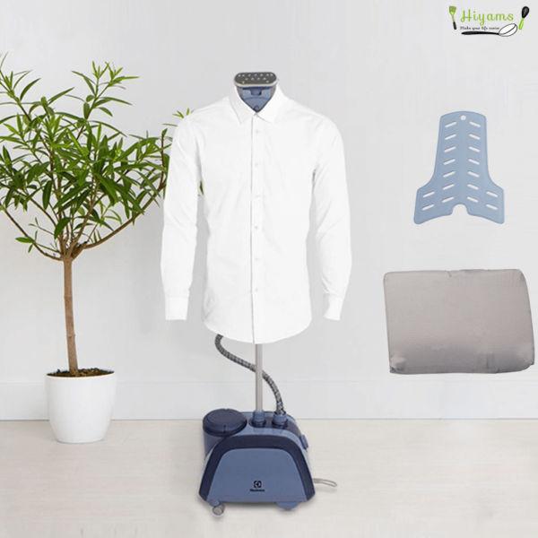 Bàn ủi hơi nước đứng Electrolux E5GS1-89BM dễ dàng ủi thẳng cổ tay và tay áo nhờ phụ kiện đi kèm
