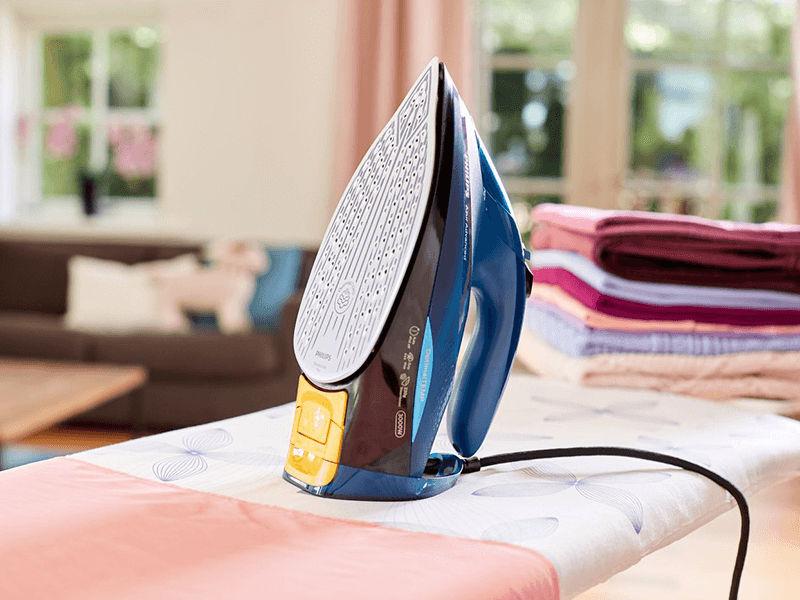 Bàn ủi hơi nước Philips GC4938 ủi phẳng nếp nhăn trên vải nhanh chóng
