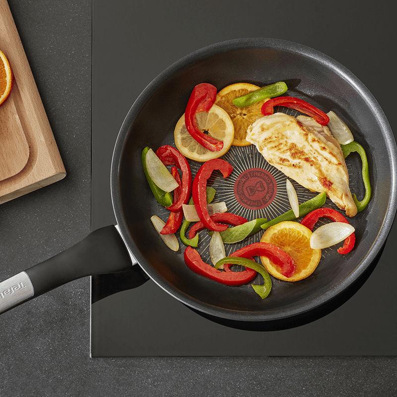 Chảo Tefal Unlimited tương thích với mọi loại bếp kể cả bếp từ