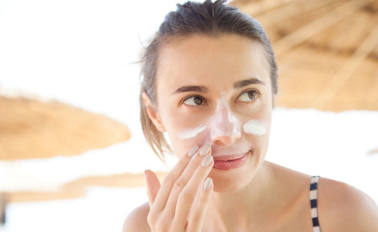 Oily Acne Prone Skin : How to Choose Sunscreen for Oily Skin