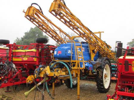 KNIGHT EU 24 metre 3000 litre Trailed sprayer