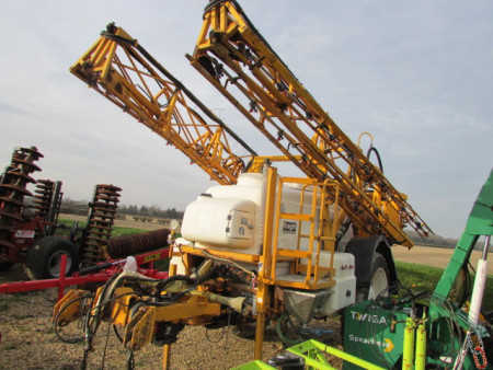 KNIGHT EU Trailed 24 metre Sprayer, 3000 litre, Delta Controls,