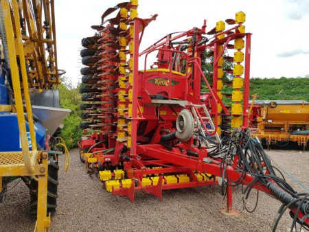 VADERSTAD RAPID A800s 8 metre System Disc Seed drill, 2007, Staggered wheels