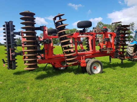 QUIVOGNE TINEMASTER 4.4 metre, 2008, Disc Tine Disc Harrow with Integral Packer