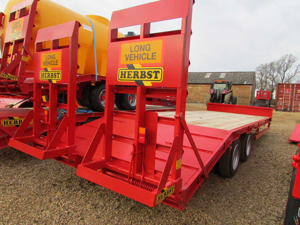HERBST Lowloader 24ft, Beavertail Plant Trailer, 13 tonne carry - New,