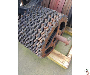 "20"" Breaker ring with 5 1/4"" bore"
