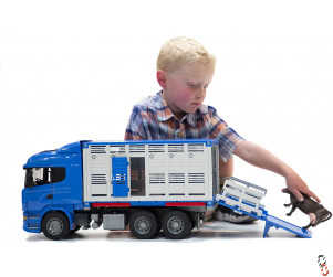 Bruder Scania R-Series Cattle Transporter c/w Cow 1:16 Farm Toy