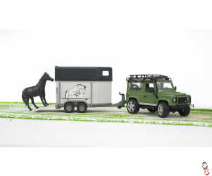 Bruder Land Rover Defender with Horse Box Trailer 1:16 Farm Toy