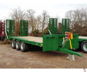 BAILEY 26ft Tri-Axle Beavertail Plant Trailer, New