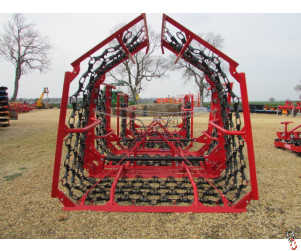 PROFORGE 8 metre Mounted Hyd. Folding Chain Harrow