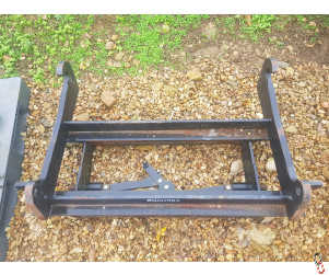 Used Slewtic Adaptor Carriage JCB Q-Fit to pick up Kramer
