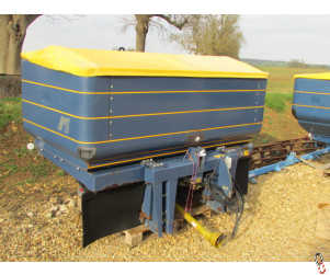 KRM BOGBALLE M2W Twin disc fertiliser weigh cell spreader