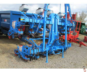 MONOSEM 12 row hyd folding Sugar Beet Drill