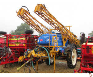 KNIGHT EU 24 metre 3000 litre Trailed sprayer