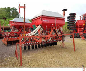 KVERNELAND ACCORD DA-S 3 Metre Power Harrow Mounted Airseeder, All New CX Disc Coulters