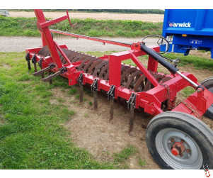 SINGLE Trailed Press 4 metre with Hyd End Tow and Leading tines