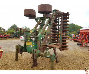 COUSINS 4.5 metre Hyd Folding V-form, 7 or 9 leg