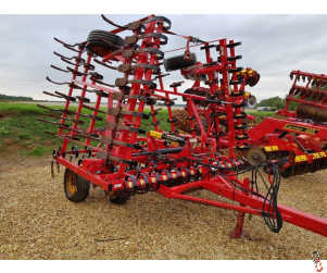 VADERSTAD NZF 6 metre Trailed Seedbed Cultivator, Hyd Crossboard