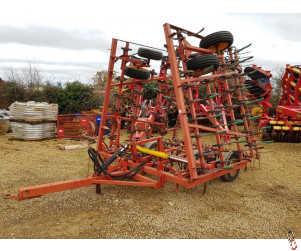 VADERSTAD NZ 7.3 metre Seedbed Cultivator