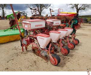 GASPARDO 4 row Maize Drill, Grain & Fertiliser