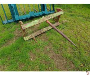 Bale Spike heavy duty frame with stabiliser tines