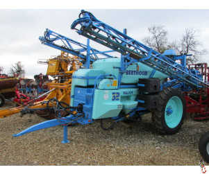 BERTHOUD MAJOR 32 Trailed Sprayer, 24 metre, 3200 litre, 2005
