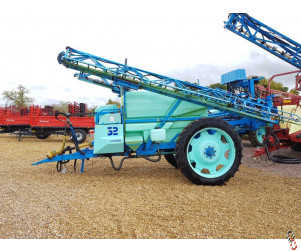BERTHOUD MAJOR 32 Trailed 24 metre Sprayer 3200 litre, Auto Rate Governor