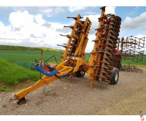 SIMBA UNIPRESS 7.6 metre Single Row Press with Levelling Boards
