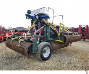 "NRH 12.2 metre Folding Rolls, 2011, 24""/breakers with Horstine Avadex Applicator"