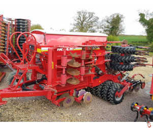 HORSCH PRONTO DC 4 metre trailed seed drill, 2012, Muller controls, 3100 HA