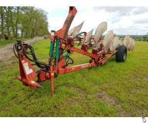 KVERNELAND PM100 Plough, On Land/In Furrow, 6 furrow, Auto-reset