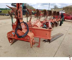KVERNELAND LO85/300 Plough, On Land/In Furrow, 7 furrow (6+1)