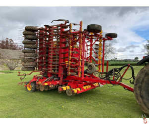 VADERSTAD RAPID A800S 8 Metre System Disc Seed drill, 2008, Staggered rear wheels
