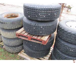 425/65-22.5 Super Single Tyre on 10 Stud Wheel - Take Offs
