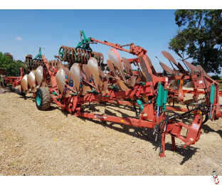 KVERNELAND RL100 Plough with Packomats, On Land/In Furrow, 7 furrow