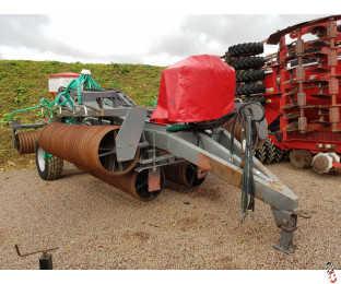 "NRH 12.2 metre Heavy Folding Rolls, 24"" Plain Rings with Avadex and Slug Pelleter seeders"