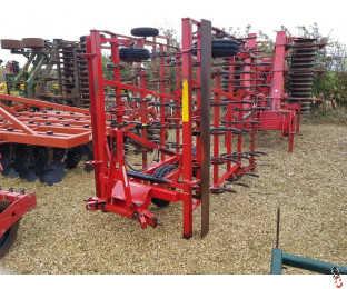 VADERSTAD NZM 4 Metre Mounted Springtine Cultivator, Hyd folding