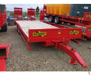 HERBST Lowloader 24ft, Beavertail Plant Trailer, 13 tonne carry - New,