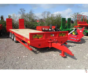 HERBST Lowloader 26ft Tri-Axle Beavertail Plant Trailer 26ft, 22 tonne carry, New