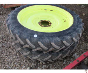 ROWCROP Wheels, off Knight Sprayer, 12.4 R 46