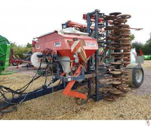 MOORE ACCORD DF2 UNIDRILL 6 metre Trailed Direct Drill